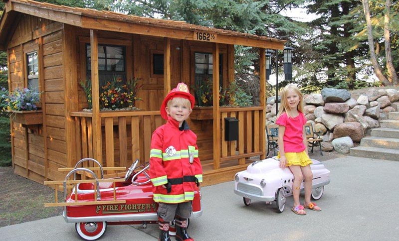 Outdoor Playhouse- Some Creative Ways To Personalize It For Your Kids