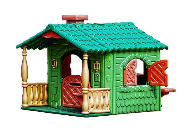 Customizing Ideas for Outdoor Playhouse for the Kids